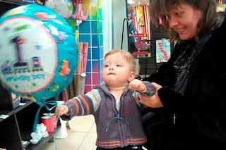 Russia, mamma impicca il figlio di 4 anni con le sue calze: arrestata