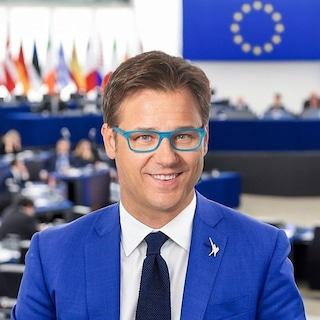 """L'eurodeputato leghista Ciocca: """"Covid gira di più in Francia e Spagna perché meno puliti di noi"""""""