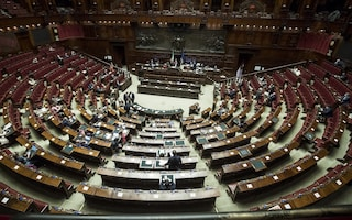 Ddl voto 18enni per il Senato, strappo di Iv in dissenso con la maggioranza. Camera rinvia l'esame