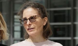 """Finanzia con 100 milioni setta dedita ad abusi sessuali, Ereditiera condannata: """"Mi hanno aiutata"""""""