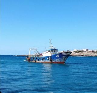 Naufragio a Lampedusa, due bambine e donna incinta tra i dispersi