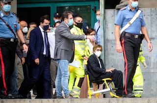 Gregoretti, si stacca una lastra dal muro dell'aula: infortunio per l'avvocata Bongiorno