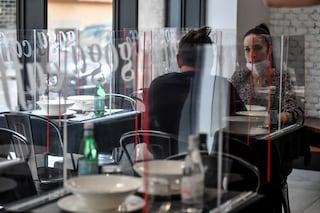 """Nuovo Dpcm, Palazzo Chigi: """"Nessuna chiusura anticipata per bar e ristoranti"""""""