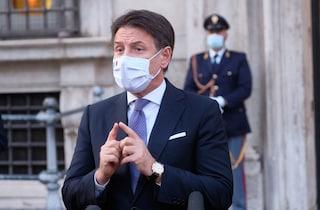 Sondaggi, elettori premiano la stretta anti Covid: cresce la fiducia nel premier Conte (al 62%)