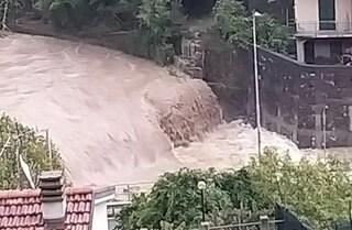 Emergenza maltempo, in Liguria in allerta rossa: torrenti esondati, frane e case isolate