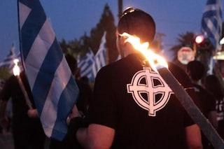 Grecia, processo ad Alba Dorata: condannati a 13 anni di carcere i leader del partito neo-nazista