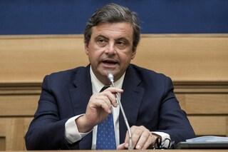 Carlo Calenda chiede lo scioglimento di Forza Nuova dopo gli scontri a Napoli