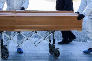 Palermo, 500 bare da seppellire ma direttore del cimitero chiedeva mazzette per trovare posto