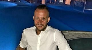 Ucciso perché ha reagito alla rapina nel suo bar, l'ultimo addio di Foggia a Francesco Traiano