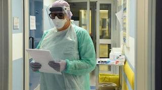 """Coronavirus in Piemonte, ospedali saturi. La Regione: """"Abbiamo bisogno dell'esercito"""""""