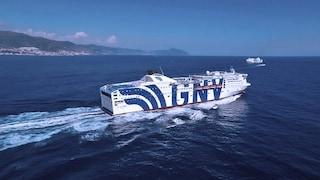 Casi Covid a bordo del traghetto, la Francia blocca l'attracco: bloccati 450 passeggeri