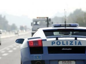 A 230 Km/h per salvare una vita, Lamborghini della polizia trasporta organo a tempo di record