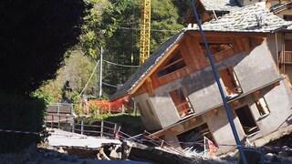 """Alluvione a Limone Piemonte, la statale è un fiume, una casa crollata: """"Siamo distrutti"""""""
