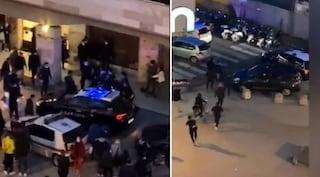 Livorno, sassi e bastoni contro carabinieri e polizia durante i controlli anti covid