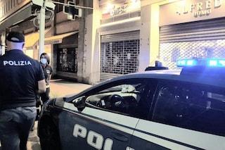 Savona, poliziotti invitano a mettere la mascherina: aggrediti e picchiati, sparano in aria