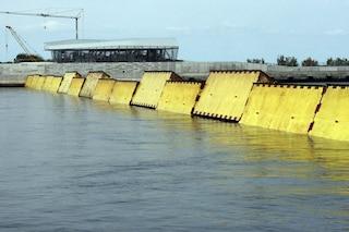 Venezia, oggi acqua alta oltre 130 centimetri: sollevato il Mose