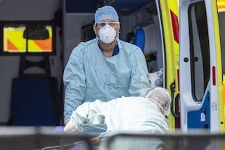 """Regno Unito, la previsione dell'epidemiologo: """"Decine di migliaia di morti durante seconda ondata"""""""
