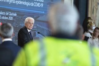 """Mattarella consegna le Onorificenze agli eroi dell'emergenza Covid: """"Chiamati a prova di orgoglio"""""""