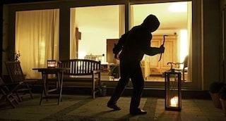 Genova, assalto a mano armata in una villa: famiglia rinchiusa in uno sgabuzzino