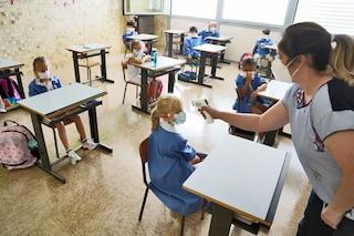 """Mascherine a scuola, la pedagogista: """"Ecco perché è importante che i bambini la indossino sempre"""""""