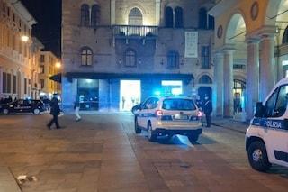 """Reggio Emilia, spara a cinque ragazzi perché """"erano maleducati"""": arrestato 43enne"""