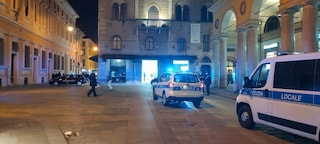 Notte di paura a Reggio Emilia, sparatoria in pieno centro storico: diversi i feriti, uno è grave
