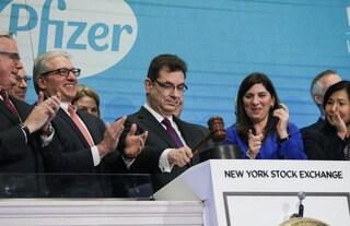 """Pfizer non è """"per niente favorevole"""" alla sospensione dei brevetti sui vaccini Covid"""