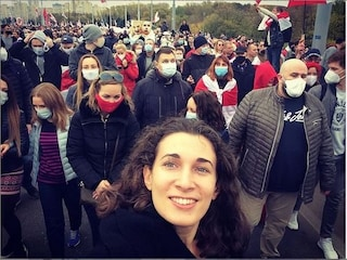 """Bielorussia, Natalie racconta gli orrori della repressione: """"Manifestanti stuprate e torturate"""""""