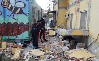 Cagliari, due operai travolti dal crollo di un balcone: uno è morto e l'altro è ferito