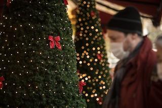 Gli italiani chiedono restrizioni per Natale, ma non sono d'accordo su chiusura di bar e scuole