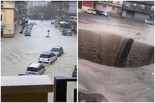 Nubifragio a Crotone, le strade diventano fiumi di acqua e fango: sommerse auto e allagati negozi