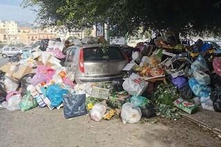 """Palermo sommersa dai rifiuti e discarica stracolma, il sindaco: """"Serve collaborazione di tutti"""""""