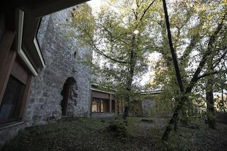 """Vendesi torre di Pasolini per 800mila euro, gli eredi: """"Costi di manutenzione troppo alti"""""""