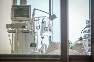 Covid Svizzera, è allarme: tutti occupati i posti letto di terapia intensiva