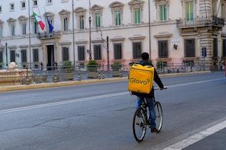 """Rider, a Palermo sentenza storica: """"Glovo deve assumere fattorino come lavoratore dipendente"""""""