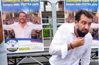 Comizio senza mascherina a Benevento, Matteo Salvini ha pagato la multa (e le spese di spedizione)