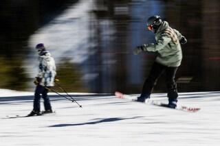 Le regole per sciare nelle zone rosse e arancioni, tra impianti chiusi e mascherine obbligatorie