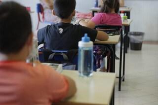 """Firenze, maestra minacciata per un laboratorio contro gli stereotipi di genere: """"Sei da bastonare"""""""