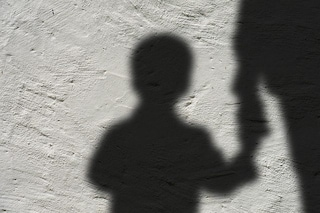 """Violenze sessuali su minori, l'allarme: """"Con pandemia forte crescita di abusi online"""""""