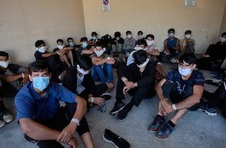 Come il dl Salvini e la pessima gestione dei migranti hanno favorito il contagio da Covid-19