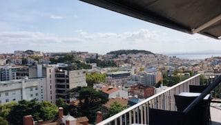 Alloggi turistici trasformati in case popolari: a Lisbona il Covid diventa un'opportunità