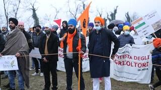 """India, agricoltori contro la riforma del governo, i Sikh d'Italia: """"Nessuno ne parla"""""""