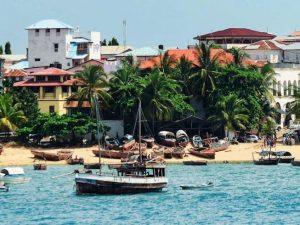 Zanzibar, lo strano caso dell'Isola senza covid da maggio che cura il virus con preghiere ed erbe