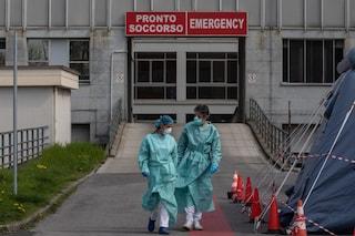 Dopo 6 settimane la curva dei contagi torna a crescere in Italia: in aumento anche morti e ricoveri