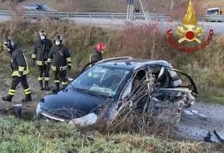Incidente Potenza, auto si schiantano per il ghiaccio: muoiono dottoressa e il figlio 19enne