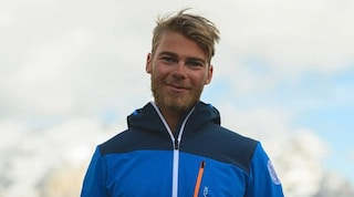 Dolomiti, maestro di sci morto sotto una valanga durante un'escursione: chi era Etienne Bernard