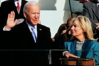 Il primo decreto di Biden presidente Usa è contro il Covid: obbligo di mascherine per 100 giorni