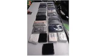 Cuneo, fermato per un controllo anti covid gli trovano in macchina 23 chili di cocaina