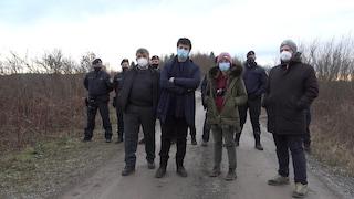 """Poliziotti croati """"respingono"""" europarlamentari in visita: """"Figuriamoci come trattano i migranti"""""""