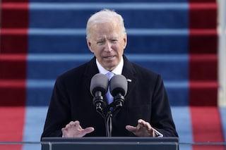 Usa, Biden vara il piano anti-Covid: legge di guerra per velocizzare vaccinazioni